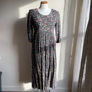 50% off! Vintage floral dress